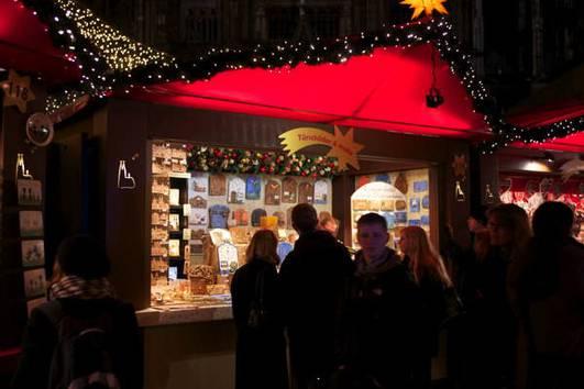 http://www.koelnerweihnachtsmarkt.com/wp-content/uploads/2016/10/weihnachtsmarkt-am-koelner-dom-br-kreative-und-handwerkliche-geschenke-f1.jpg