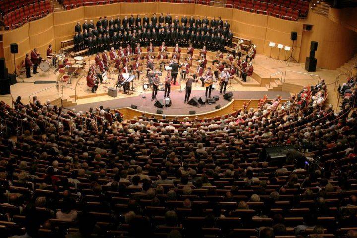 Orchester der Kölner Verkehrsbetriebe – S(w)inging Christmas