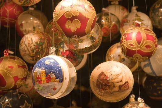 Christbaumkugeln Köln.Der Roncalliplatz Kölner Weihnachtsmarkt Am Dom