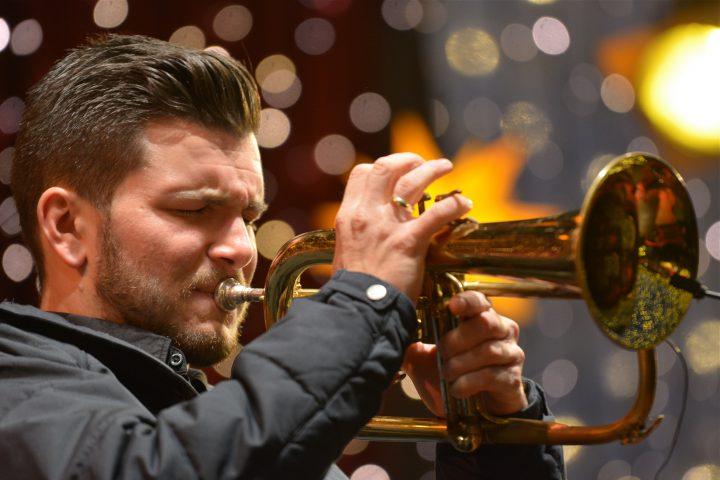 Michael Kuhl mit Jazztrio – Christmas Swing